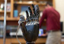 E-dermis, la piel electrónica de prótesis que permite sentir dolor