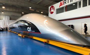 Hyperloop presenta a Quintero One, la primera cápsula de tamaño real