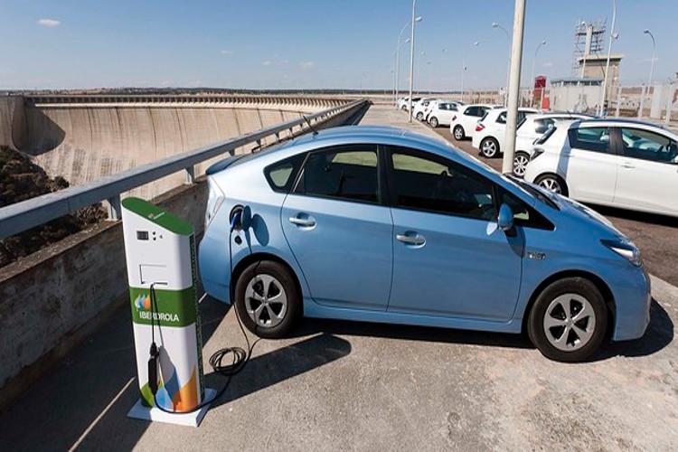 cómo cargar coches eléctricos